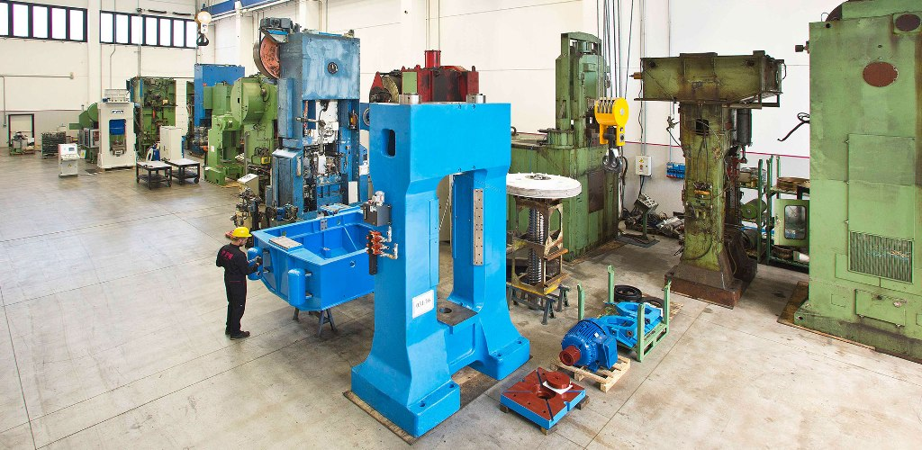 Used presses for sale: the refurbishing process in FPM Group