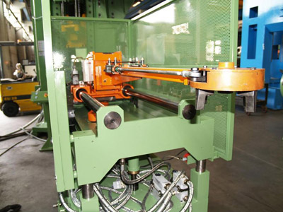 LINEAR LOADING ARM LS 850 Loading arms for presses