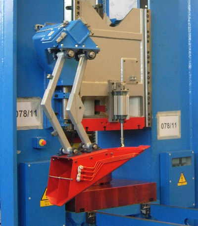 FPM E-UARM 4000 Unloading arms for presses