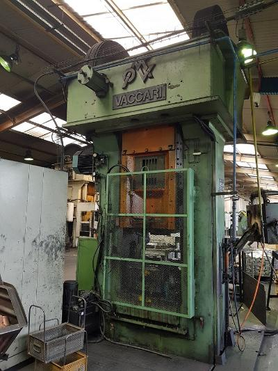 VACCARI 9LF - 400 TON Friction screw press for hot forging