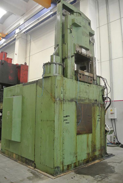 GRAEBENER 1500 TON Knuckle joint presses